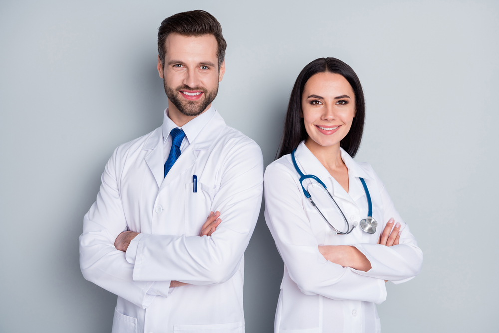 Photo,Of,Handsome,Doc,Guy,Lady,Patient,Consultation,Virology,Clinic